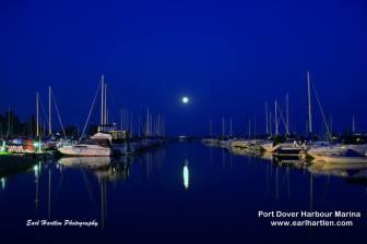 Earl Hartlen Photo - Summer moon